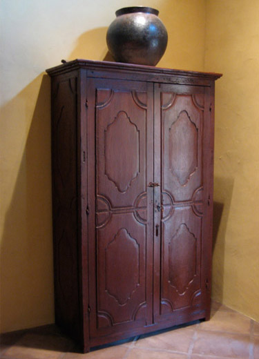 Armoire chambre style colonial id es de d coration et de for Armoire chambre style colonial