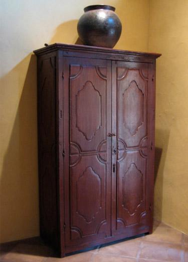 Armoire chambre style colonial id es de d coration et de for Armoire chambre style colonial